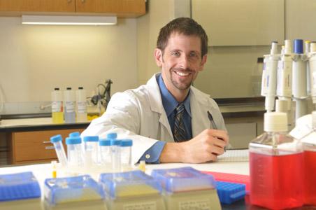 Schneider in lab